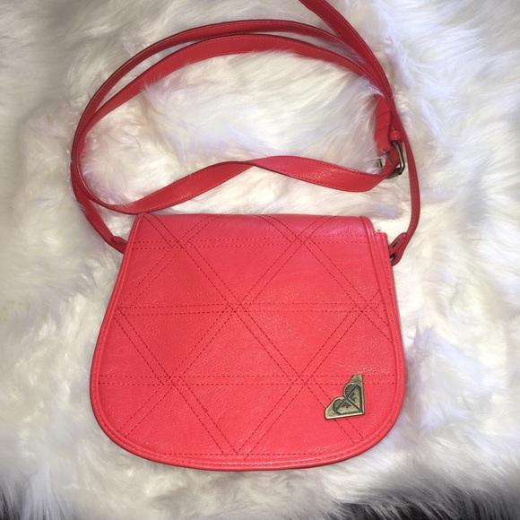 Roxy Handbags - ❗️30%off ❗️ NWOT Roxy CrossBody Purse